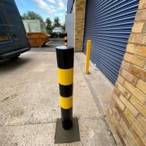 Hi-Vis Bollard Concrete In 139.7 X 1500mm